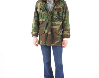 Camouflage Men's Military Thick Cold Weather Army Field Jacket Vintage Size XS Small / Zip Hood / 4 Pocket