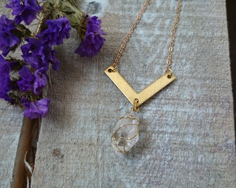 CAPTIVATE - handmade nature and geometry necklace with crystal quartz