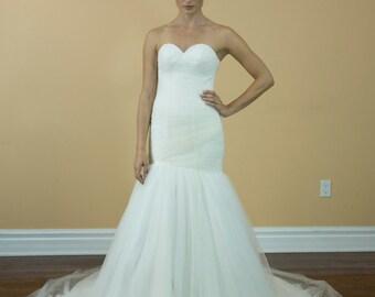 Simple Plain Traditional Mermaid sweetheart line wedding dress, beach wedding dress
