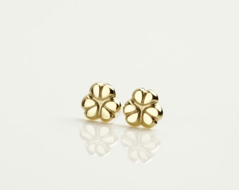 Solid 14k gold earring studs, gold flower earrings, 14k stud earrings, gold dainty earrings