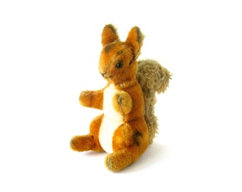 VINTAGE TOY SQUIRREL - sweet collectable plush red squirrel