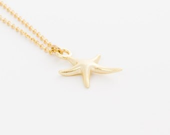 Tiny Gold Starfish Necklace | Dainty pendant necklace, Gold beach necklace, Sea star necklace, Minimalist jewelry