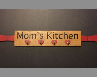 Mom's Kitchen Sign with Hooks