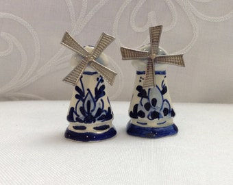 windmill salt and pepper shakers
