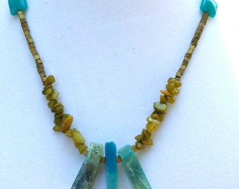 Turquoise crystal and green quartzite beads necklace