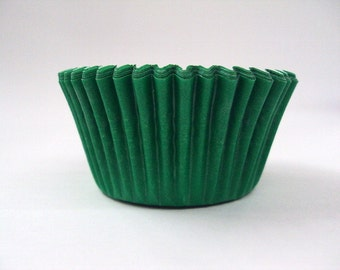 32 Green Baking Cups