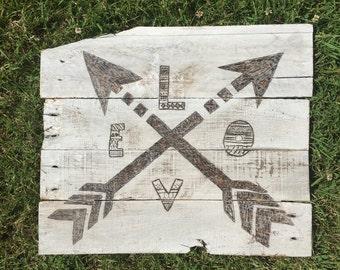 Pallet Art Crossed Arrows Love