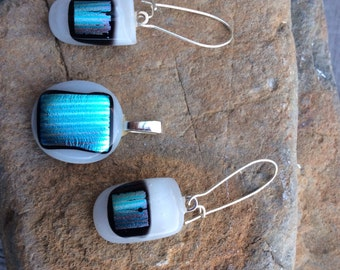 Fused glass pendant and earrings. Dichromatic glass