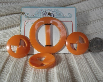 Vintage Plastic Belt or Scarf Buckle with 3 Buttons