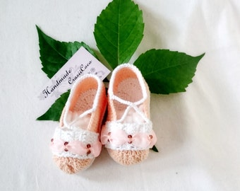 Crochet baby shoes, baby shoes with bow, peach baby shoes, crochet peach shoes, crochet shoes, baby shoes, peach shoes for baby, crochet