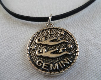 Gemini choker,zodiac jewelry,gemini necklace,zodiac choker,zodiac necklace,black choker,star sign,birthday,birth sign,stars