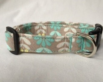 Adjustable Mint/Yellow Print Dog Collar
