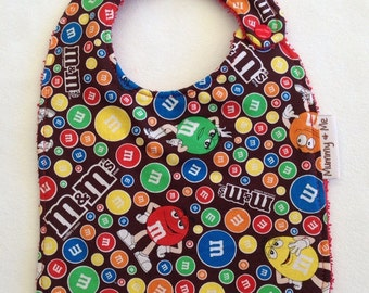 M & M 's / chocolate / junkfood / sugar / crispy / mars / sweet / unisex / neutral / novelty / bandana bib / bib / toddker / lam