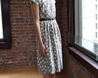 Vintage Daisy Dress By Petites by Willi Khaki/Greye/White Size Small