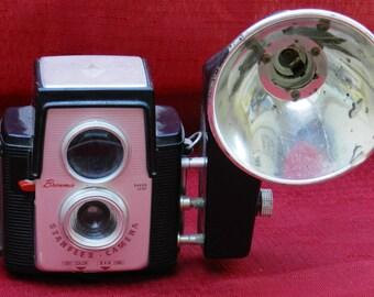 Vintage Brownie Starflex Camera with Attached Kodalite Midget Flasholder              00351
