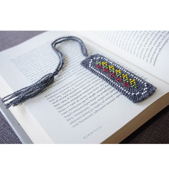 Knitted bookmark - grey wool with yellow, green and red glass beads, handmade bookmark, Lithuanian flag, fabric bookmark - ready to ship