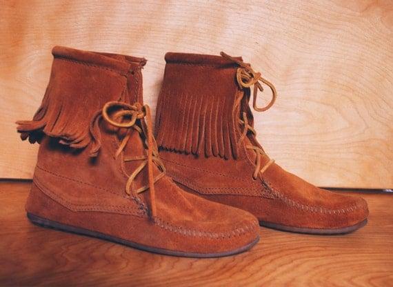 vintage minnetonka brown lace up suede fringe moccasin boot