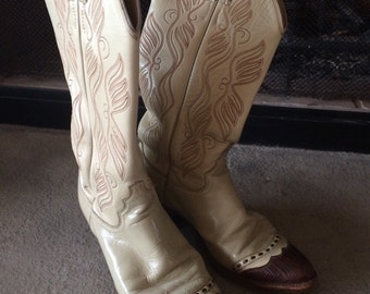 Vintage Western Boots by Justin, size 6