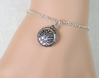 hamburger bracelet, hamburger charm, fast food bracelet, junk food, fun gift, tasty, children gift, burger lover gift, adjustable bracelet