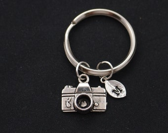 small camera keychain, initial keychain, silver camera charm keyring, photography keychain, photographer gift, keychain gift, camera pendant