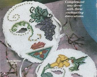 Pretty Masques to Decorate in Plastic Canvas