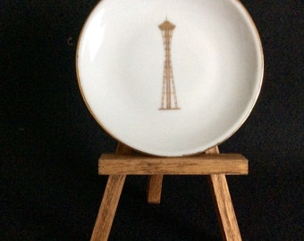 Seattle Space Needle Mini Souvenir Plate~1960s Worlds Fair Collectible~Spaceneedle Restaurant Souvenir~Seattle Souvenir