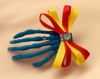 Skeleton Hand hair clip: Bring me her hand