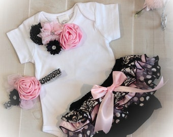 Baby Girl Outfit, Baby Girl Onesie, Pink Black Damask Bloomer, Baby Girl Damask Onesie Outfit