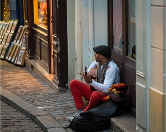 Streets of Paris, cafe music