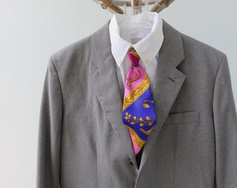 Vintage, Helmut Lang Men's Grey Blazer With Three front Buttons And Double Vent.