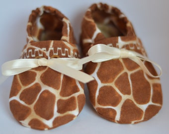 Giraffe print booties with ribbon tie, baby shoes, infant shoes, soft soled shoes, crib shoes, size MEDIUM