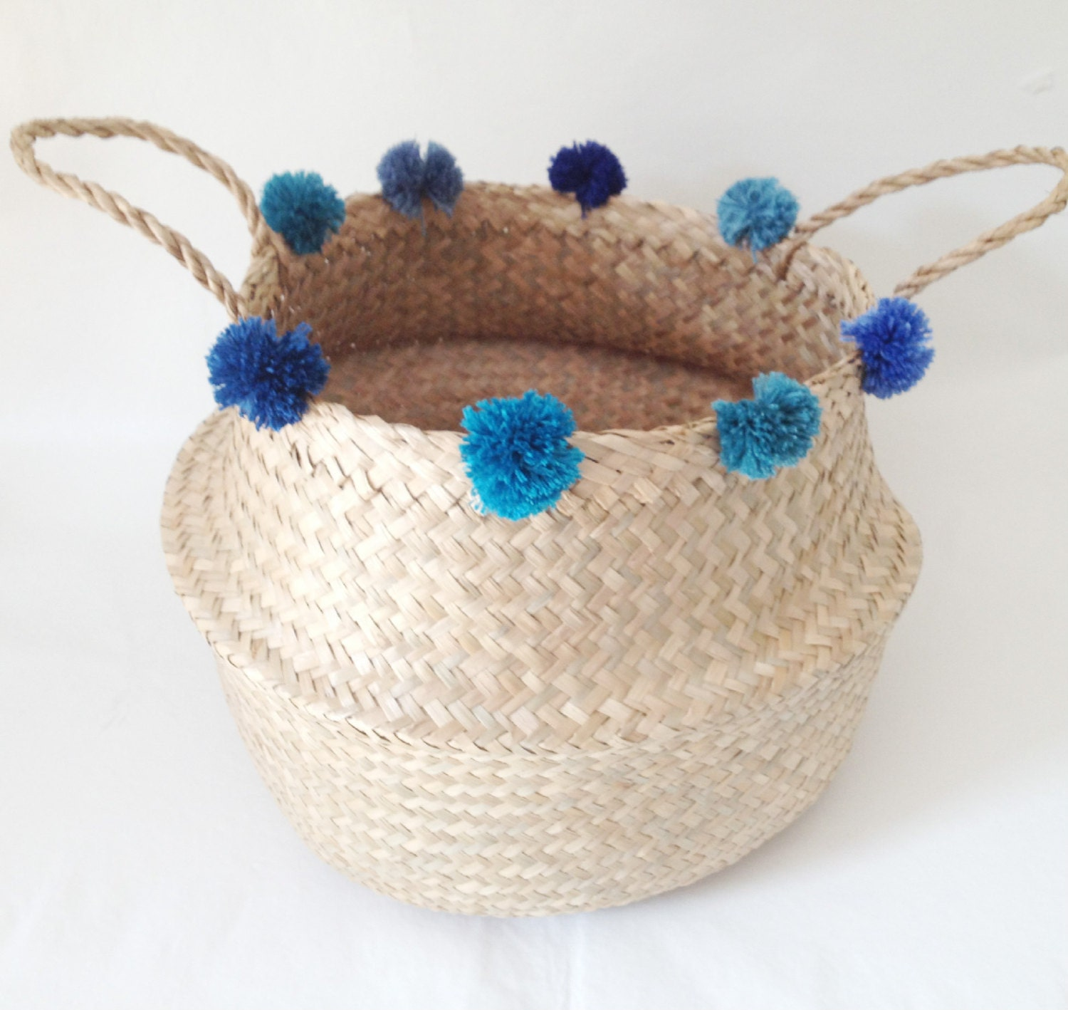 beautiful blue pom pom seagrass belly basket panier boule. Black Bedroom Furniture Sets. Home Design Ideas