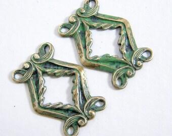 Verdigris Links, Green Connectors, 20x16mm, 2 each, D191