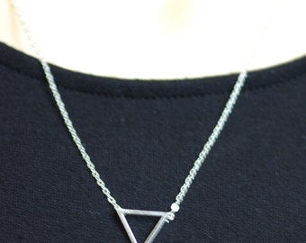 Triangle Necklace / Tiny Minimal Delicate / Simple GeometricTriangle / Gift for Her, Graduation Gift, Anniversay