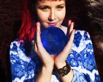Blue Crystal Ball: contact juggling, garden, interior & massage