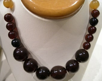 Fine Amber Vintage necklace. Russia.