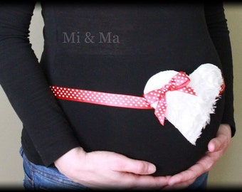 Maternity sash/pregnancy belly band, Maternity Accessories,photography prop, baby shower gift/outfit, heart maternity sash