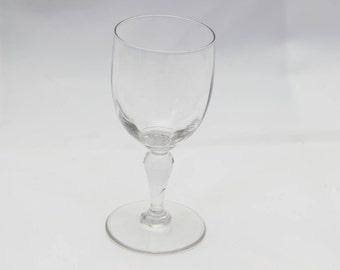 Lot of three small glasses