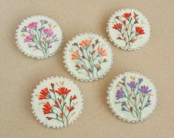 brooches, felt brooch, hand embroidered brooch, felt brooches, flowers, wild flowers, broch