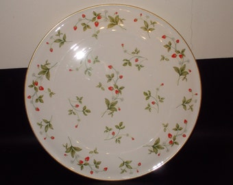 """Vintage CHRISTOPHER STUART Strawberry Field Cake Plate in Bone China with 24K Gold. 13-1/4"""" Thailand #Y1007. Near-Mint! DISCONTINUED!"""