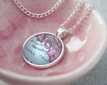 Map Necklace Pendant Circle Personalised - Mother's Day Gift - Gifts for Her - Vintage Maps - Personalized Jewellery -Gift For Mom [MPPC-18]