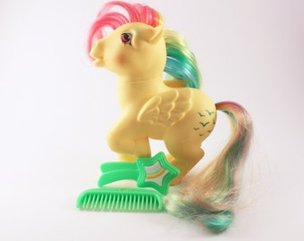 My Little Pony G1 Pegasus Rainbow Pony Sky Dancer with Seven glittery green birds on cutie mark, MLP with Two Original Green Brushes