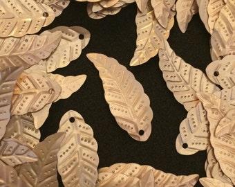 Leaf Sequins 28mm Matte Gold x 30