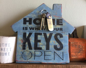 Magnetic keys holder