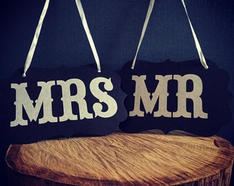 Mr & Mrs Wedding Party Photo Props - Hanging Chair Signs BLACK AND WHITE, vintage wedding accessories
