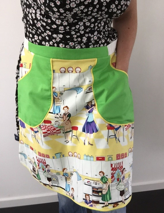 50's retro reversible half apron lemon and lime. With deep pockets. For kitchen or garden.