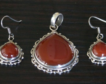 Shapely AGATE SILVER Pendant Set