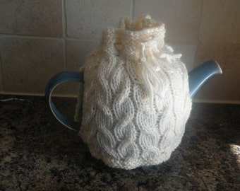 Hand Knitted Cable knit tea cosy