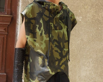 New Military Cotton Sleeveless Coat / Men's  Camouflage Overall / Extravagant Vest with side pockets by AakashaMen A02237M