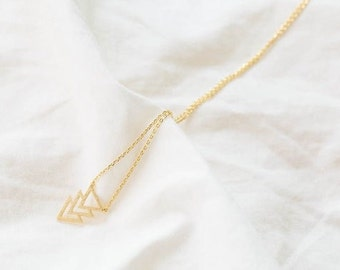 18k Gold triple triangle pendant necklace